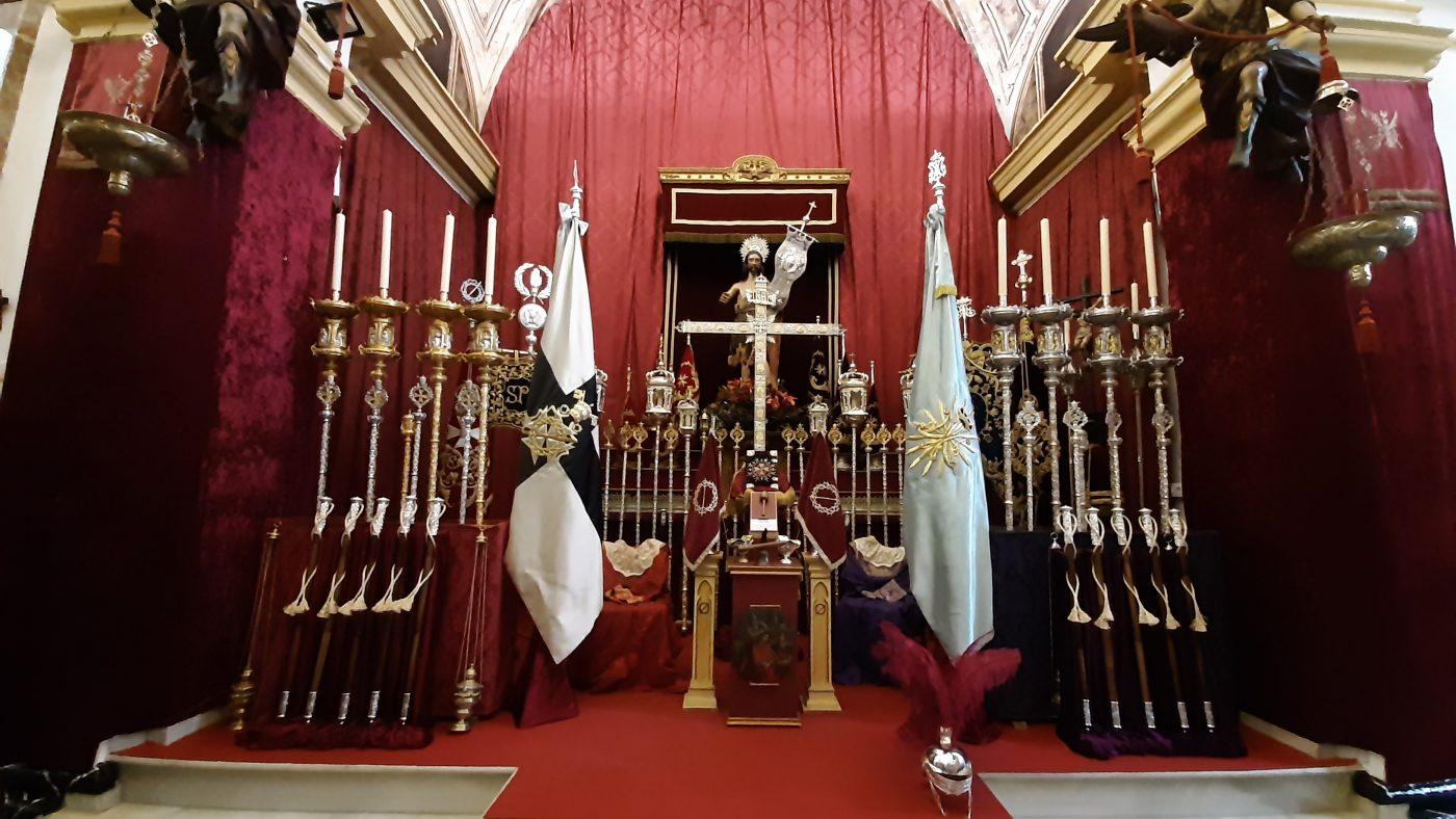 Altar de insignias de la cofradía